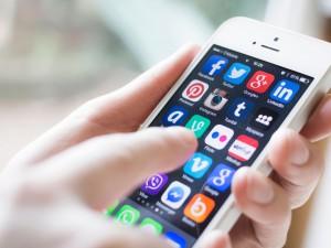 Móviles y las Apps: apóstoles y apasionados…